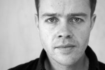 Mark Holmes_portrait 01